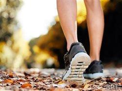 Avoiding footwear fumbles when exercising or playing sports